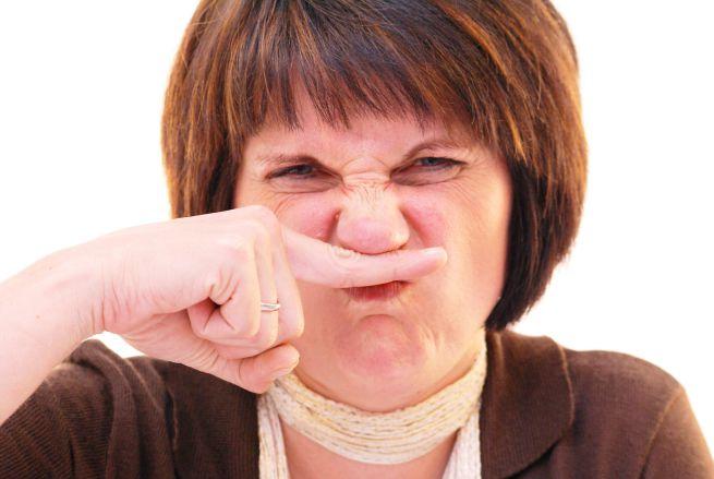 Decongestionare il naso per respirare meglio. Come usare gli spray, i lavaggi nasali e i suffumigi.